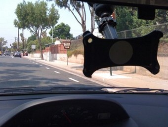 Smartphone as dashcam blocks view